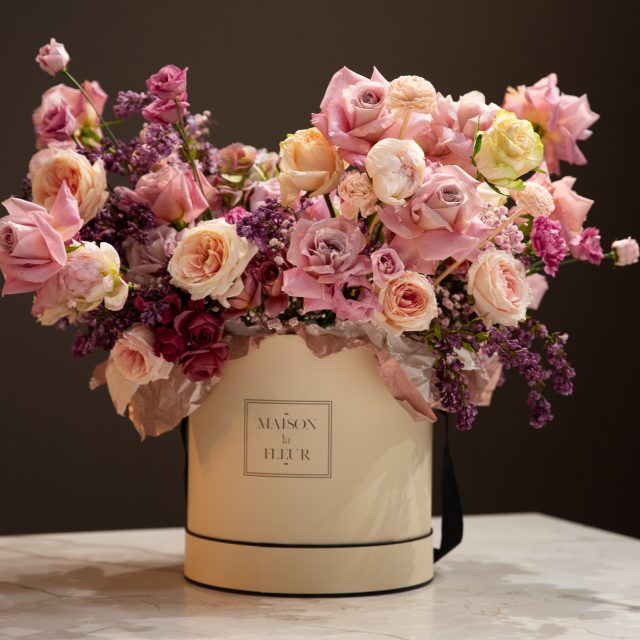 Mixed roses and lilac