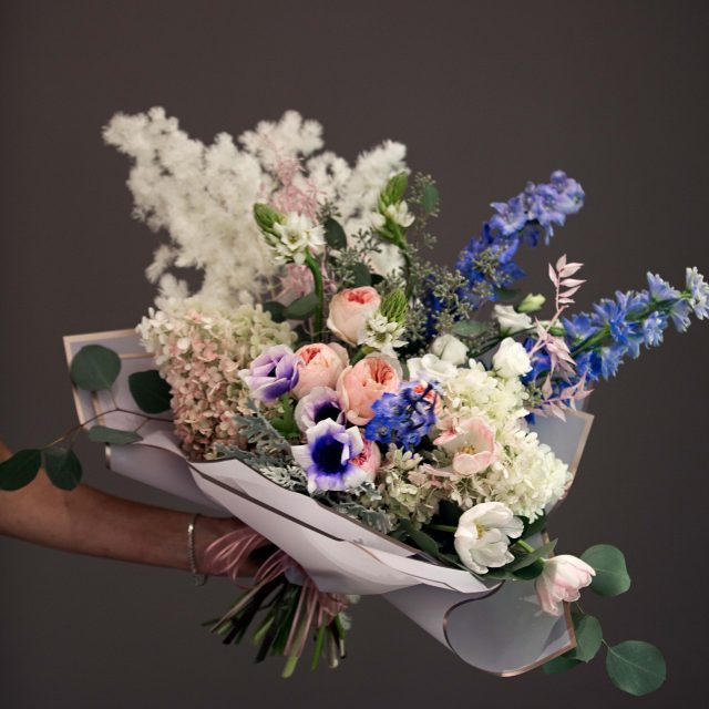 Bouquet with garden roses, and delphinium